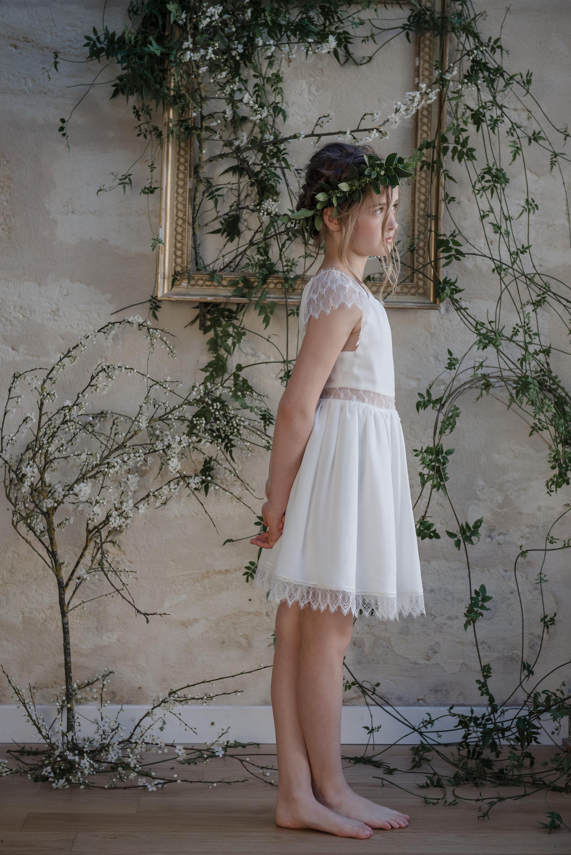 26b8ceb11d2e3 robe ceremonie enfant tenue de cortege jolie robe enfant mariage robe sur  mesure