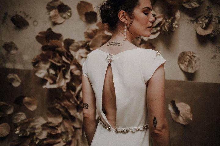 robe de mariee sur mesure 2020 paris luxe structure broderie cristaux perle ceinture bijoux couture crepe de soie