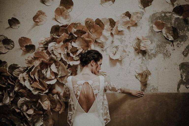 caraco robe de mariee en tulle brode amovible transparence dentelle