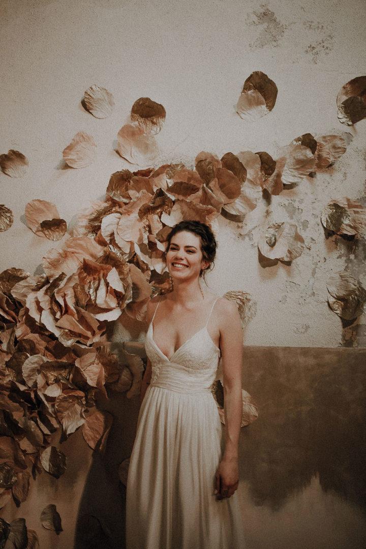 robe de mariee sur mesure 2020 couture mousseline incrustation dentelle robe plissee broderie main permes vaporeuse legere dos nu bretelle soie