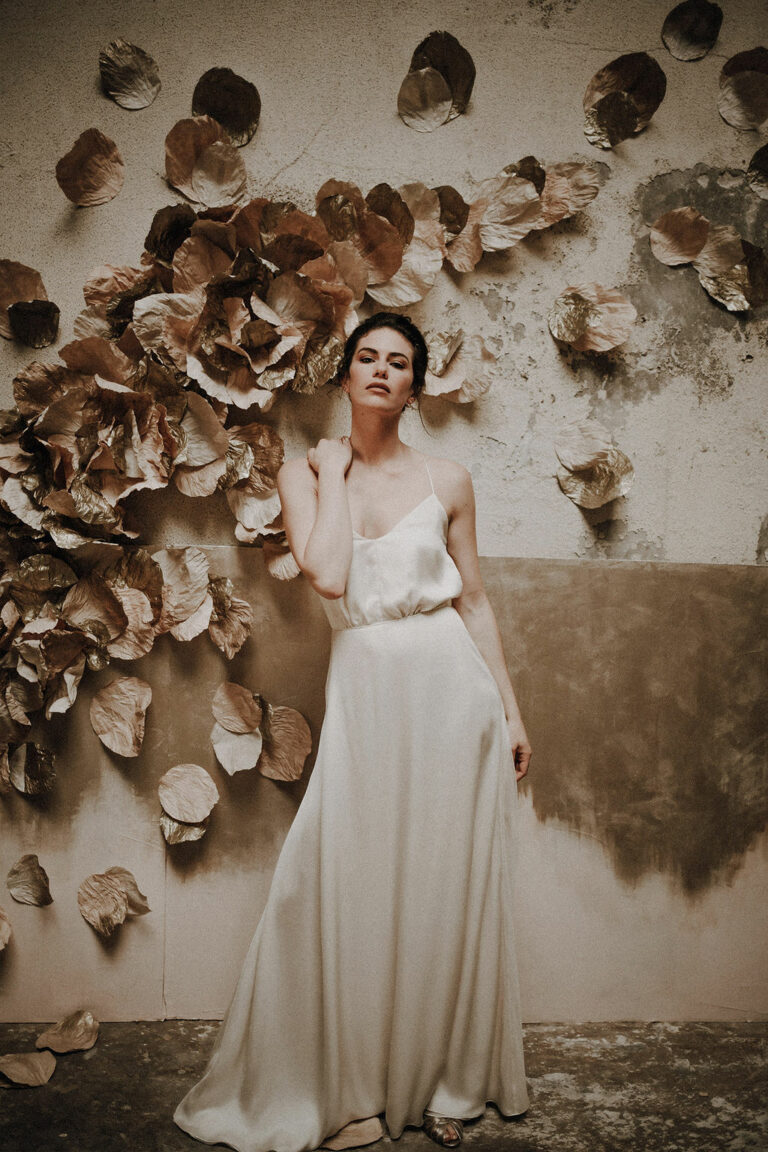 robe de mariee sur mesure 2020 paris bordeaux robe de mariee mousseline de soie dos nu vaporeuse froncee elegante robe de mariee simple