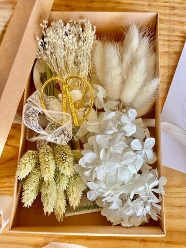 Box cadeau DIY Kit couronne de fleurs EVJF Sophie Gomes de Miranda Elise Martimort