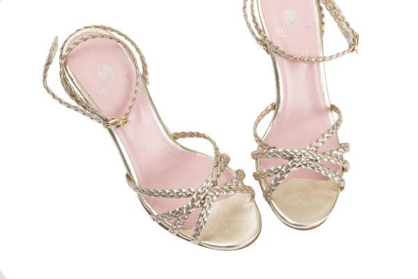 Sandales dorees et tressees Soso