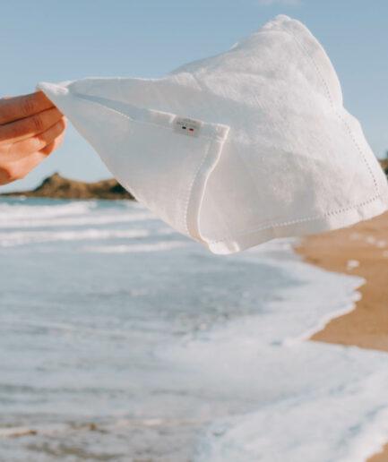 La fabrique du mouchoir lin made in france le premier mouchoirs en tissu élégant sobre et doux