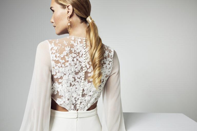 dos d'une robe de mariée en dentelle de calais